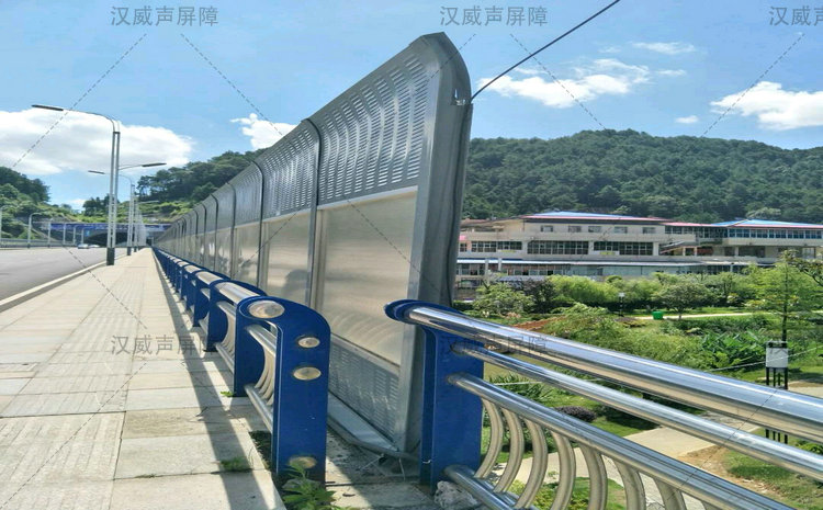 甘肃白银高速公路马路路基段防噪音护栏