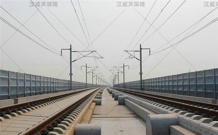 青海玉树铁路声屏障